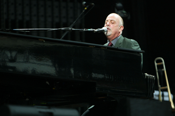 Blogger changes mind on Billy Joel's music