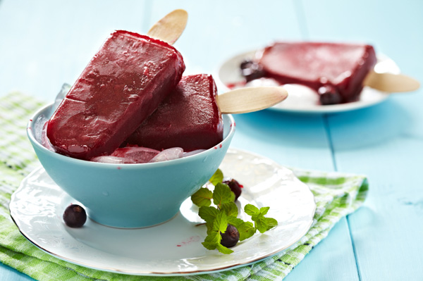Homemade berry popsicle
