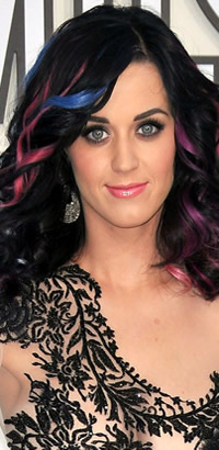 Katy Perry rainbow hairstyle at the VMAs