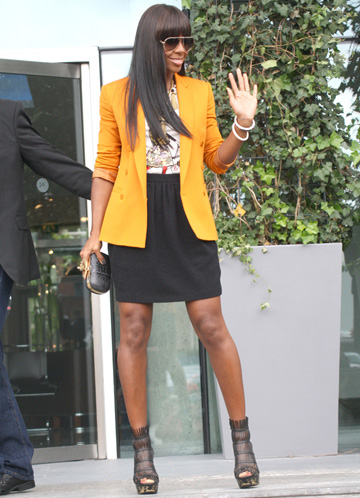Kelly Rowland high-waisted pencil skirt