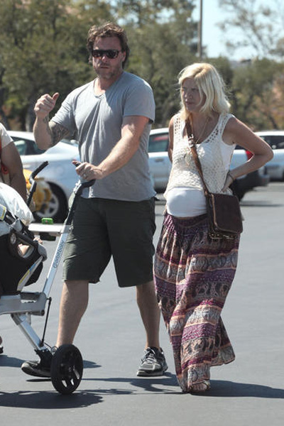 Pregnant Tori Spelling and Dean McDermott