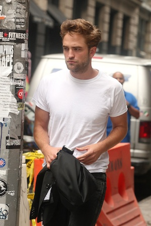 Pattinson tells Kimmel about Craigslist love