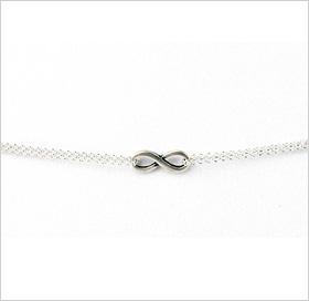 Delicate charm bracelet