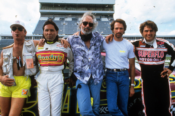 Tony Scott (center), Tom Cruise (right) in Days of Thunder