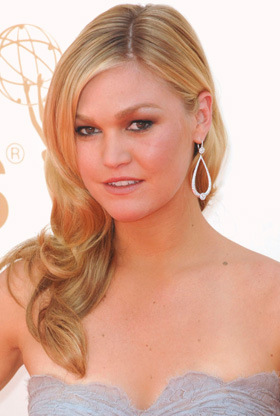 Julia Stiles at 2011 Emmys