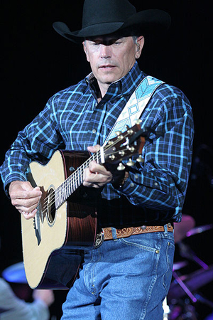 George Strait plans farewell tour