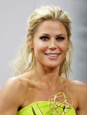 Julie Bowen's cat-eye at 2012 Emmy Awards