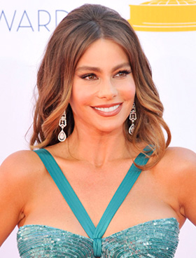 Sofia Vergara's wavy hair at 2012 Emmy Awards