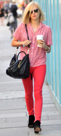 Fearne Cotton wearing pink jeans