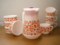Flower power Arcopal coffee set