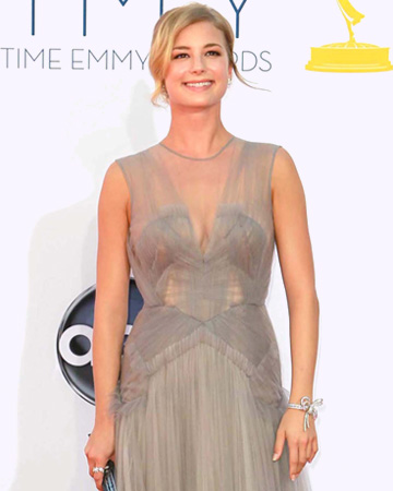 Emily VanCamp at 2012 Emmy Awards