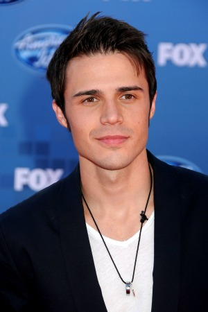 Kris Allen is latest to lose record label