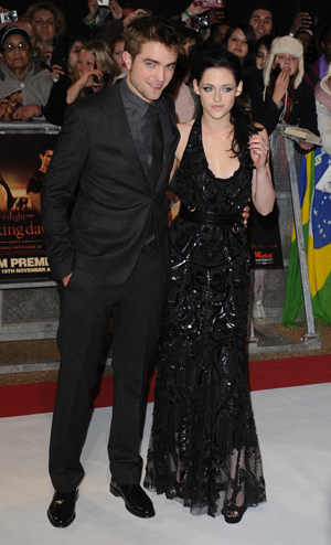 Kristen Stewart and Robert Pattinson are getting back togehter