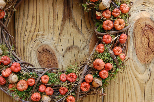 Mini pumpkin wreath