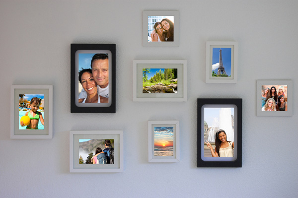 How To Arrange A Family Vacation Photo Wall