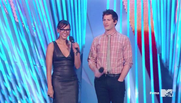 Rashida Jones and Andy Sammberg at the VMAs