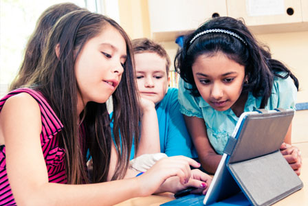 More schools are using iPads in class