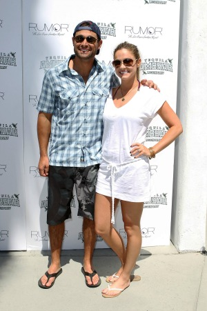 Jason and Molly Mesnick are pregnant!