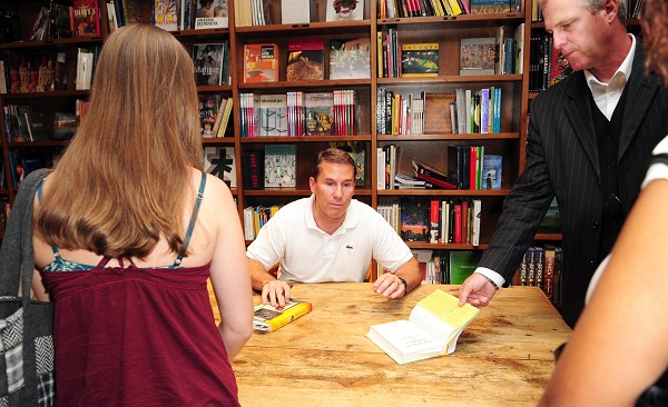 Nicholas Sparks signing
