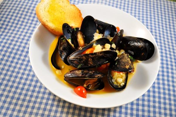 Veggies bring great flavor to mussels