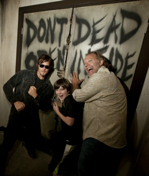 WalkingDeadCastUniversal