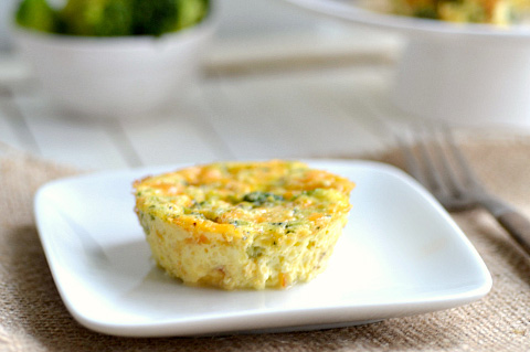 Bite size cheddar broccoli quiches