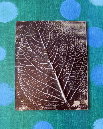 Festive for fall 7 leaf craft ideas for Leaf crafts for adults