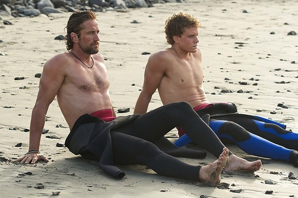 Chasing Mavericks beach
