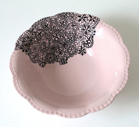 Lace serving dish