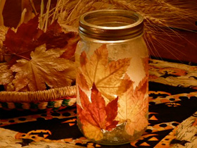 Fall leaf candle
