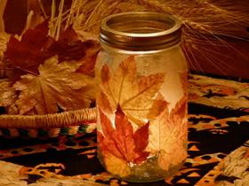 Fall leaf candle