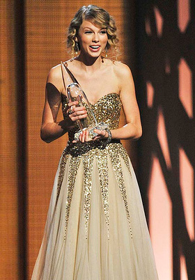 Taylor Swift -- 2009 CMA
