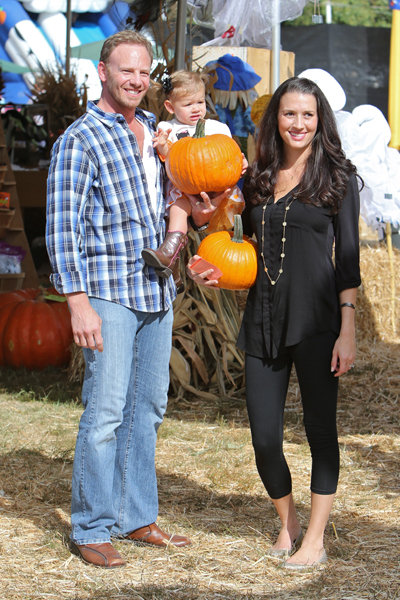 Ian Ziering and pregnant wife Erin