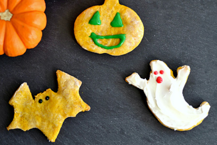 Pumpkin & peanut butter Halloween dog treats