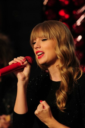 Music Videos Taylor Swift on Taylor Swift And Ll Cool J Have Been Announced As Hosts Of The