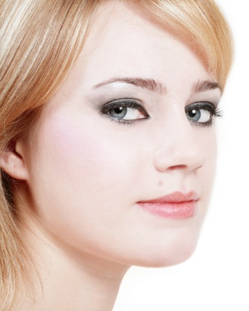 woman smoky eyes