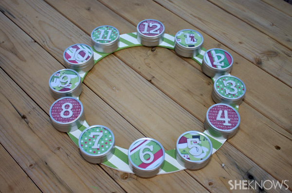 DIY 12 days wreath step 8