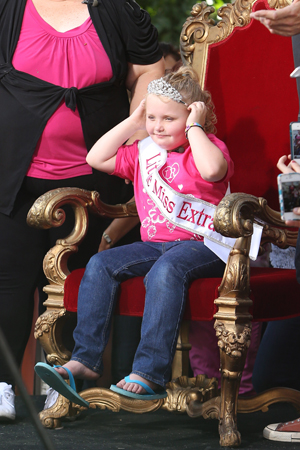 Honey Boo Boo in a crown