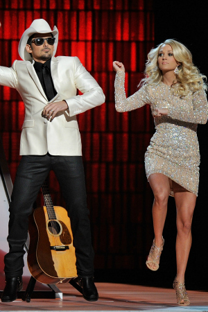 Brad Paisley and Carrie Underwood Gangnam Style 2012 CMA Awards