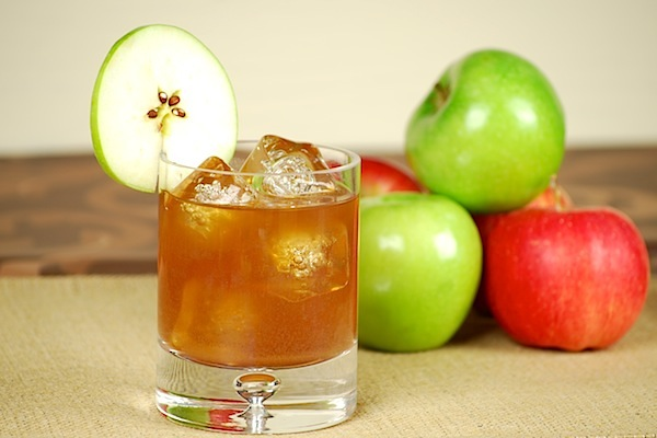 Spiced apple pie cocktail