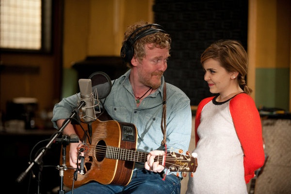 Glen Hansard stops by the set of Parenthood