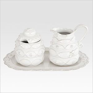 Elegant sugar and creamer set