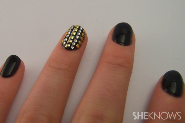nail art tutorial - add gold studs