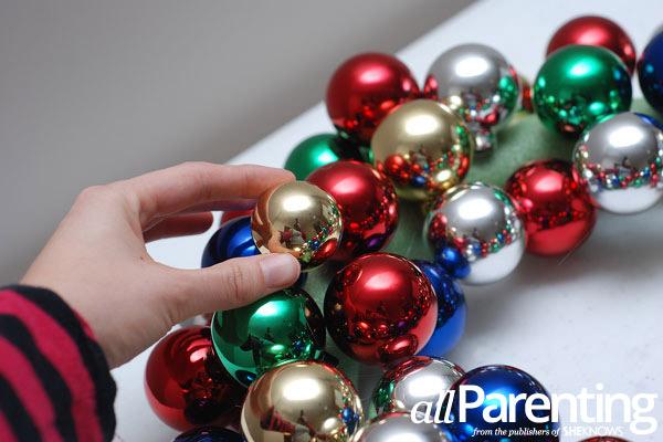 Christmas ornament wreath step 6