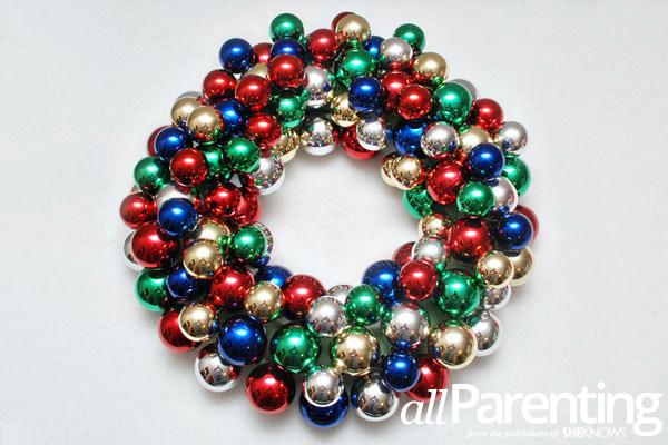 Christmas ornament wreath step 7