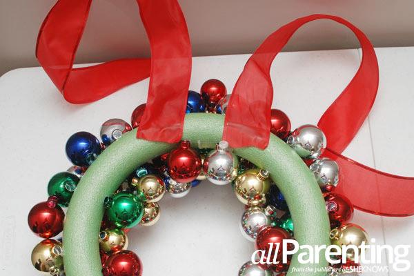 Christmas ornament wreath step 8