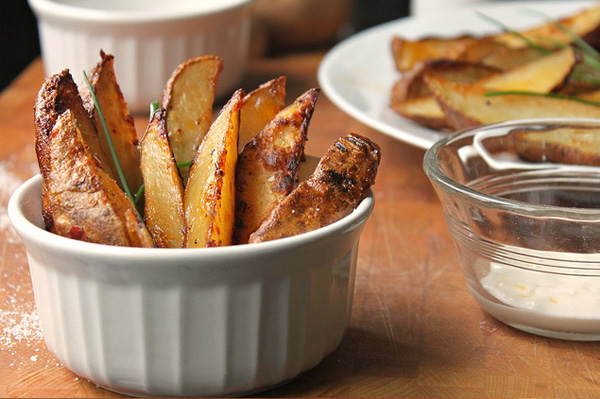 Baked potato wedges with Italian dressing