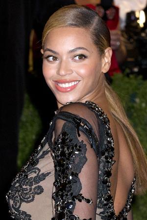 Beyonce picks on Mitt Romney