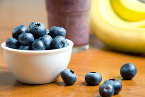 Blueberry and Banana Smoothie with Flax Seeds