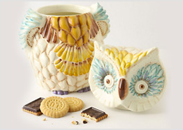 Wide-eyed cookie jar